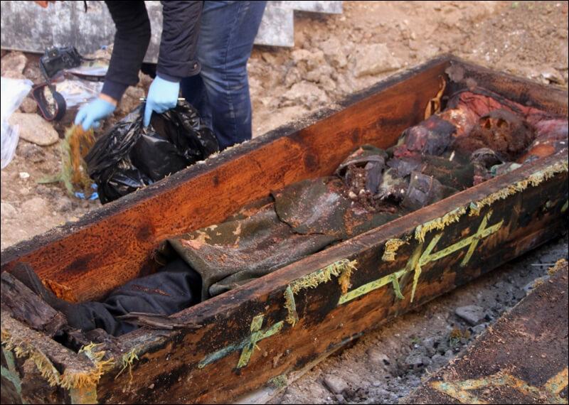 Ardahan'da Temel Kazı Sırasında Rus Generalin Mezarı Bulundu