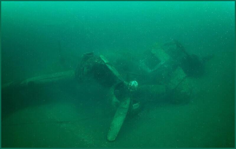 Batık Uçak Denizin Dibinde Görüntülendi