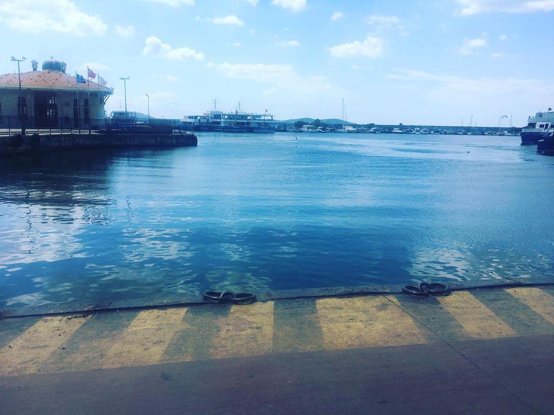 Deniz ve Yol Manzarası