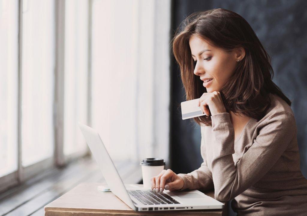 Online Alışveriş Yaparken Siber Dolandırıcılara Dikkat Edin!